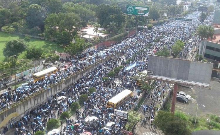 Nicaragua entre la mayoría o la dictadura